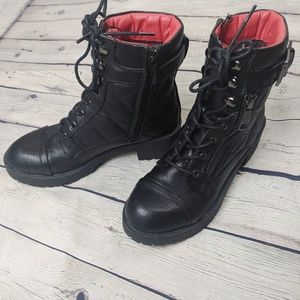 Guess black Martha quilted combat boots size 5M